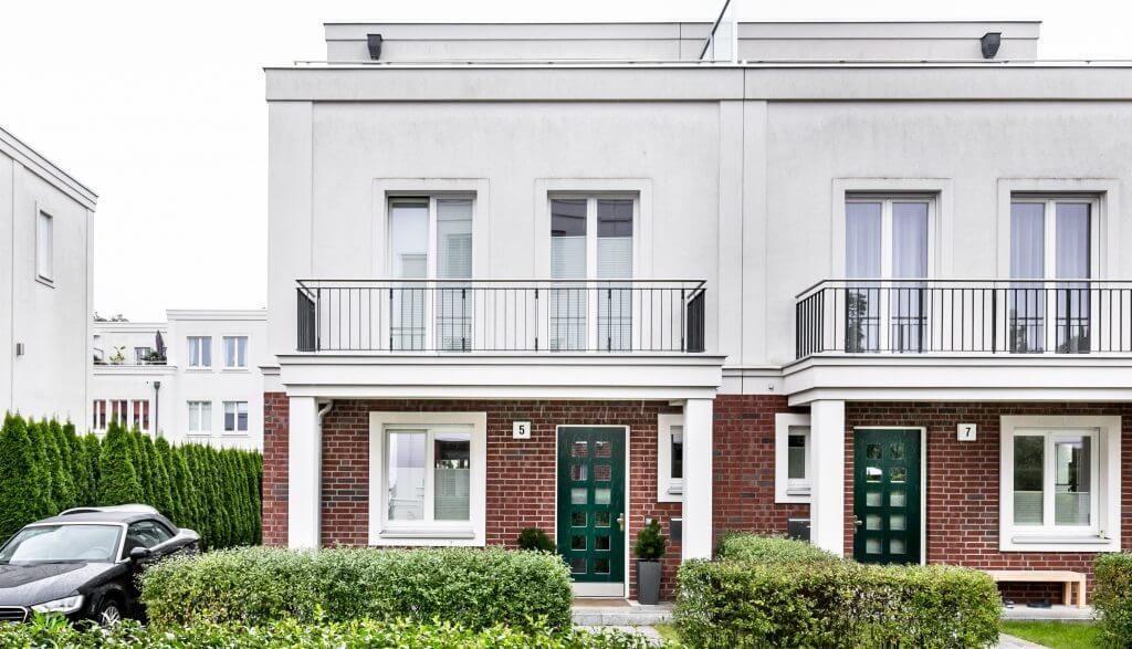 Erfolgreich Verkauft Moderne Doppelhaushälfte Im Idyllischen